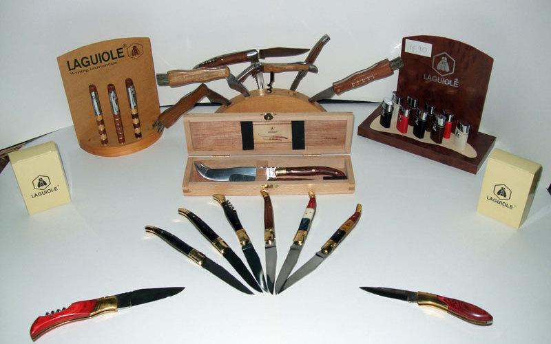 Collection Laguiole : briquets et couteaux
